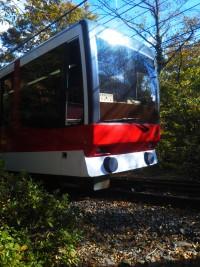 「今日も快晴です」(Hakone Tozan Cablecar)