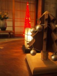 「クリスマスツリー」(Decorated the Christmas Tree)