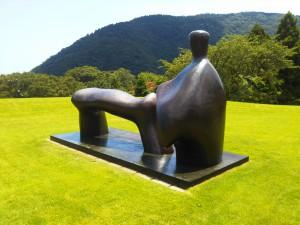 「晴れの日の箱根彫刻の森美術館」(It would be nice if it's sunny tomorrow)