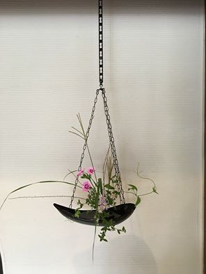 【初秋の釣り花】