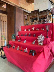 【雛人形飾りました!~露天風呂付客室の宿 円かの杜~】